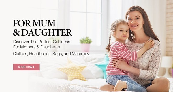 Discover the perfect gift ideas for mothers and daughters. Clothes, headbands, bags and maternity.